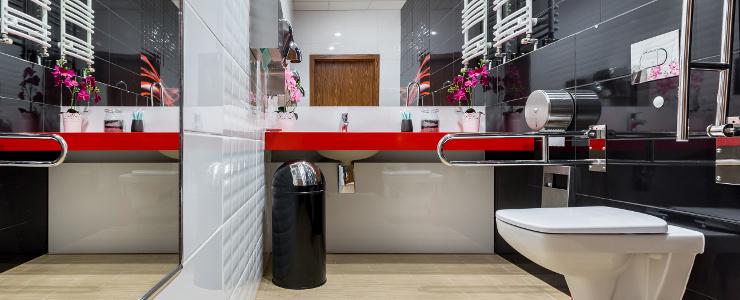 łazienka Dla Osób Z Niepełnosprawnością Brodzik Styl Ceramika